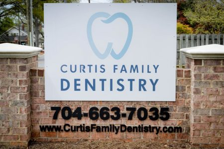 Curtis Family Dentistry signage